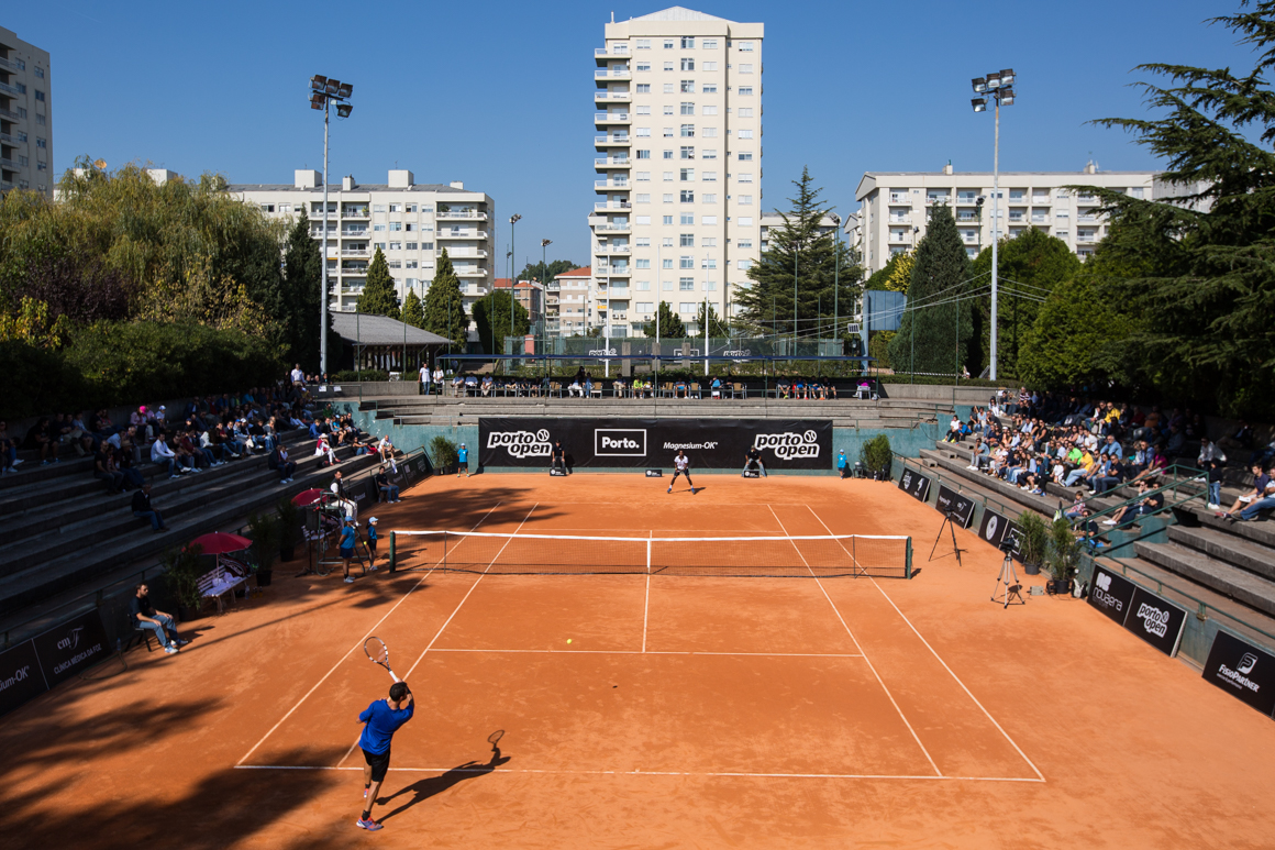 Court Central do Clube de Ténis do Porto durante a final de 2016 do Porto Open