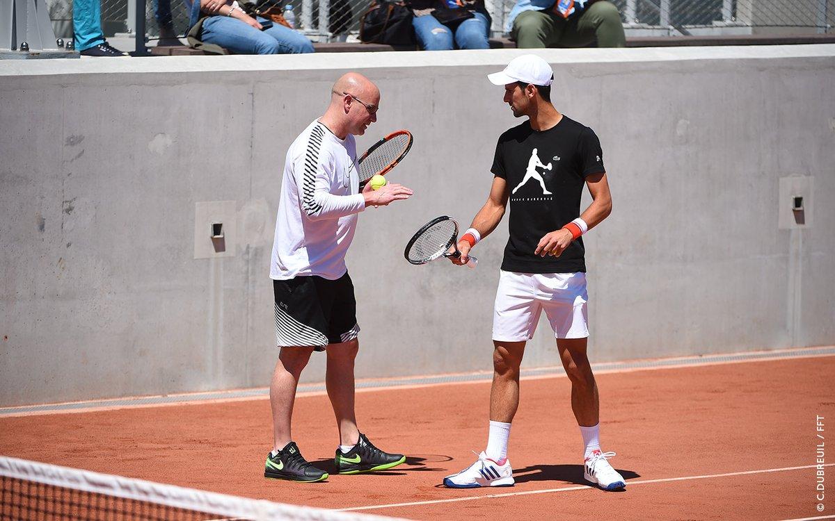 Djokovic confirma presença no Aberto da Austrália